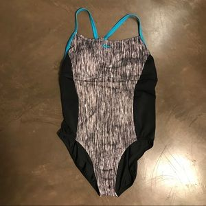 NWT Nike Swimsuit Black & Hot Pink Striped 🏊♀️